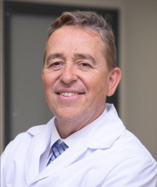 cardiólogo de prestigio en arritmias cardíacas